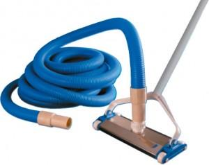 Limpieza de piscinas accesorios y complementos de limpieza for Limpiafondos piscina manual