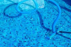 mantenimiento de piscinas limpiafondos